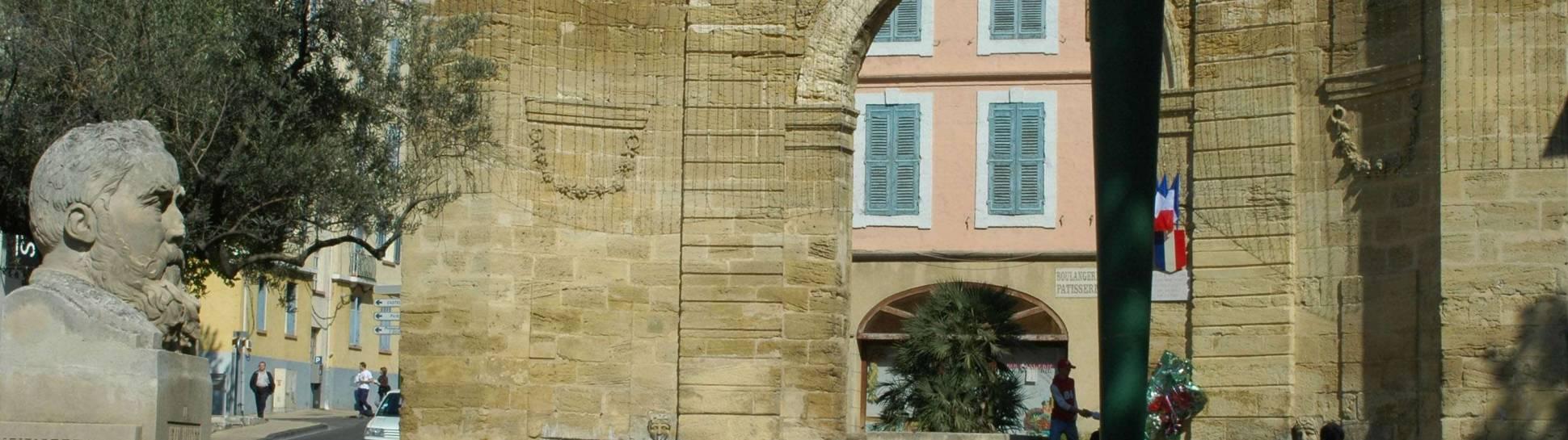Porte d'Arles Istres, M.Torres