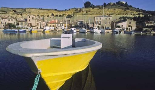 Port et habitations troglodytiques de Saint Chamas, P.Aguilar