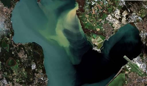 Image Sentinel 2  de l'étang de Berre du 22/12/2019: crue de l'Arc et turbinage EDF
